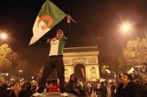 Paris drapeaux étrangers
