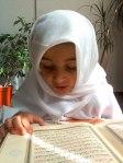 Enfant lit Coran 3