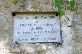 Les Eyzies - Cro-Magnon - plaque découverte
