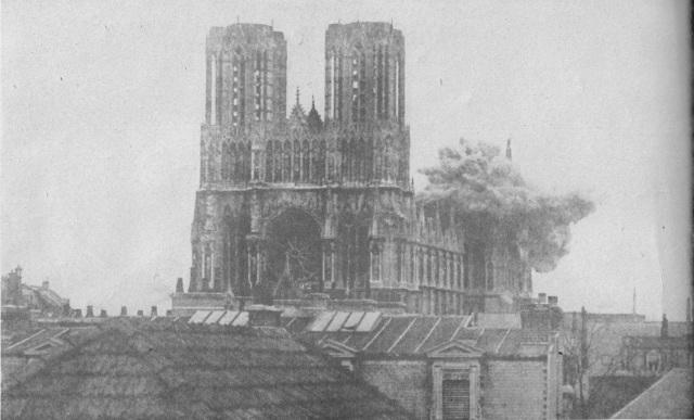 Bombardement de la Cathédrale de Reims durant la seconde guerre mondiale