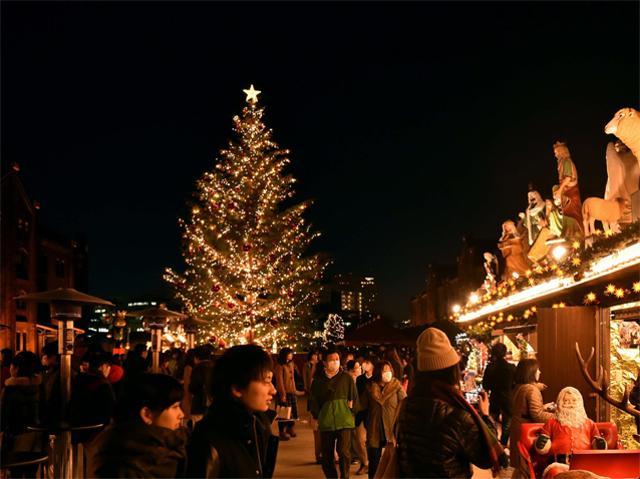 illuminated-christmas-market-in-tokyo